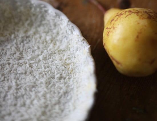 Paj med täcke av kokosflingor i form.