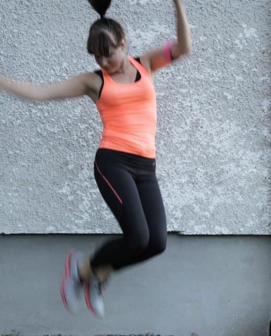 Bloggläsaren Anna sa att hon inte kunde föreställa sig mig ute och jogga  annat än i en femtiotalsklänning. Det var gulligt tänkt men lite fånigt  ifall det ... ecd6cdc5c8cf5