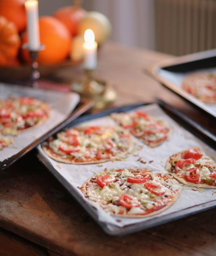 Pizza av tacobröd ger supertunn botten!