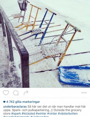 Bild av Claras instagramflöde som visar bild på sparkar som står parkerade i rad.