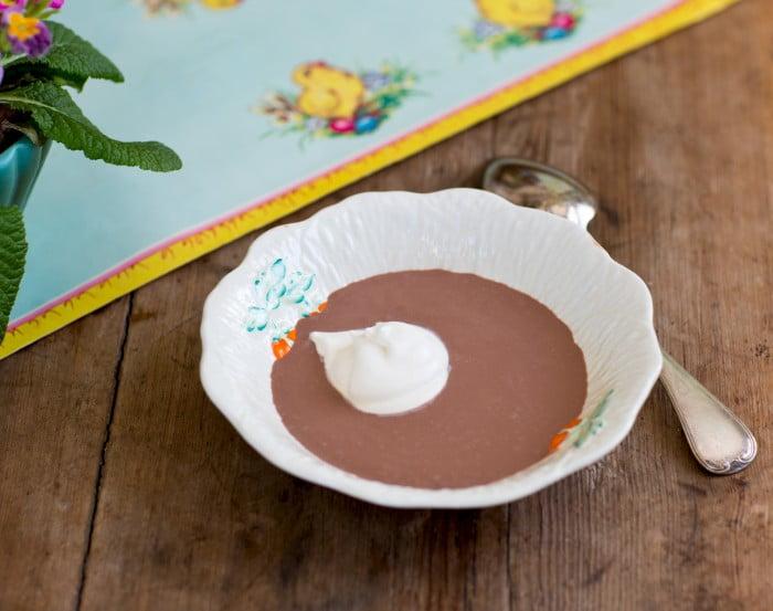 Ett gott och enkelt recept på en efterrätt som barn har svårt att motstå. Desserttips för en glad påsk!