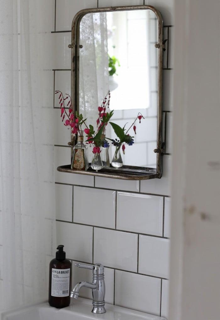 renovera gammaldags badrum toalett äldre hus byggnadsvård