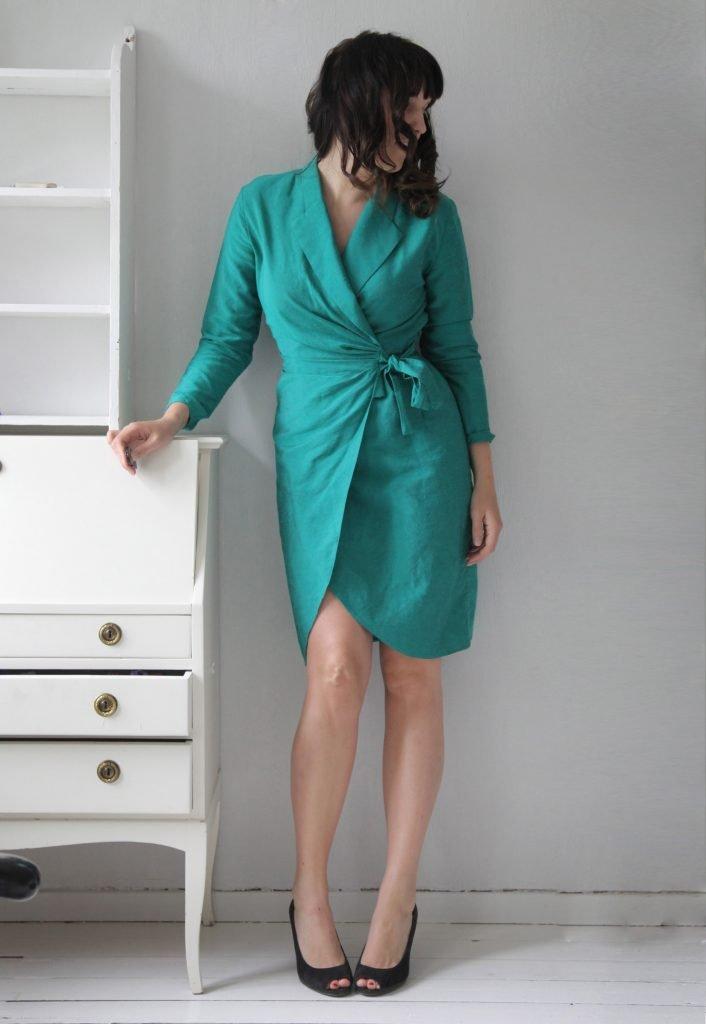 Denna gröna omlottklänning från Myrorna är en klassiker i min garderob.  Jamen den är så vansinnigt snygg bara! Finns inga fel på den. a42f3302ba6a2