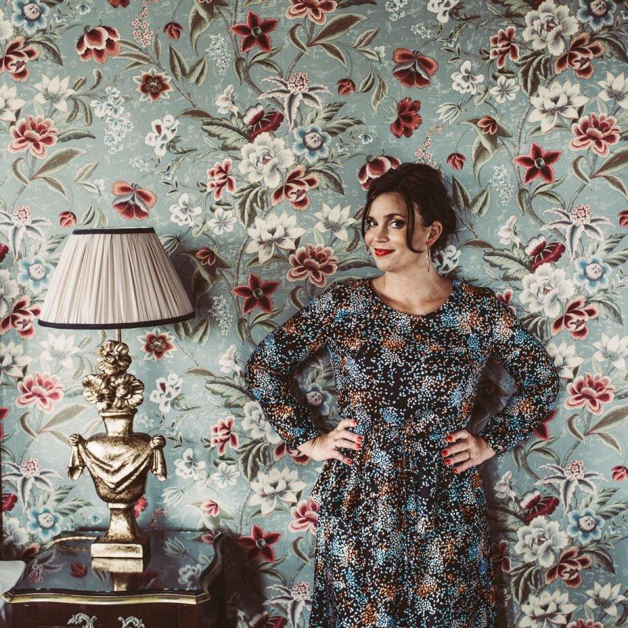 ae921002e93e För att inte tala om festliga Flora med Peplum-midja! Skön vävd kvalitet  med fantastisk lyster. Typiskt bra festklänning (fast jag har också använt  den ...