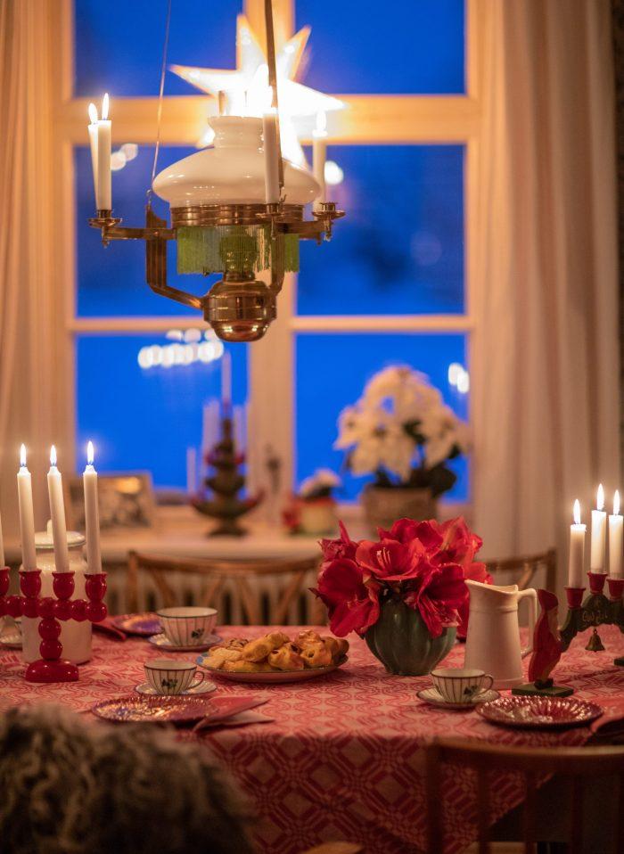 611323a405c1 Oj. Jag försvann visst lite mitt i julstöket när gästerna anlände i  lördags. Men vilken fin julafton vi fick! Min faster och hennes man skulle  ha kommit men ...