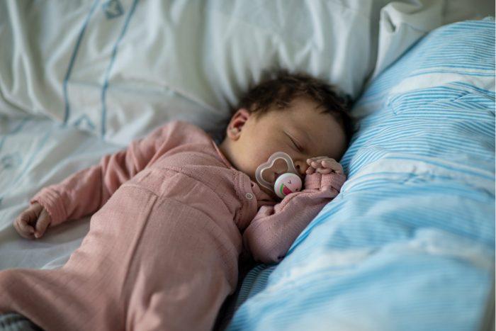 sovande mamma och pojke kön